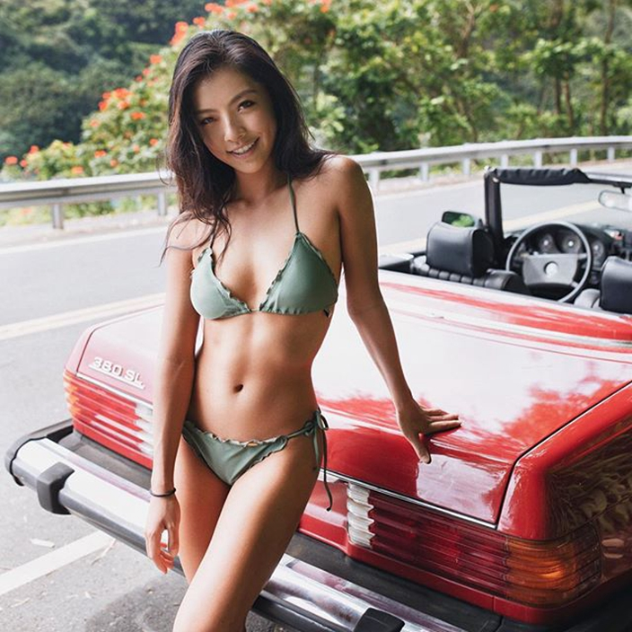 2f2a924699dde4 Golf goddess Lily He enjoys both golf talents and beauty | FunFeed ...