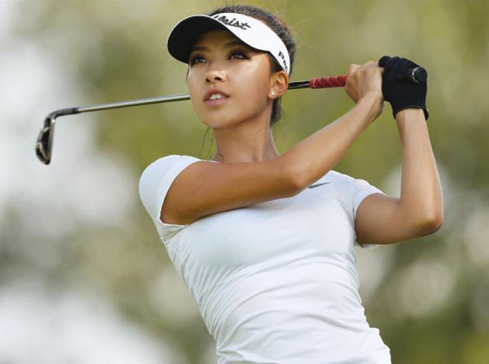 40b5ba8820aec1 Lily was born in southwestern China and began to play small golf  competitions since age 5. She made a stunning premiere in the world to win  World Youth ...