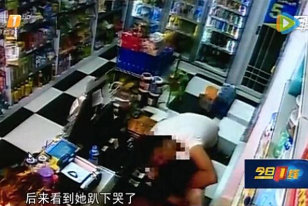 """深圳猴擒男""""狼吻门""""便利店收银员被猥亵"""