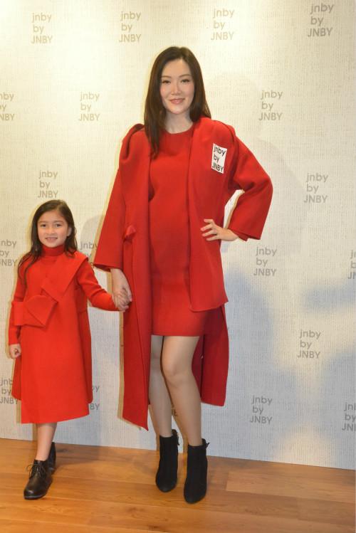 葉翠翠出席童裝店活動。
