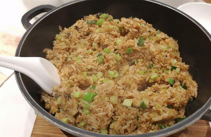 有食客投訴稻香超級漁港旺角分店疑用「膠米」。(資料圖片)