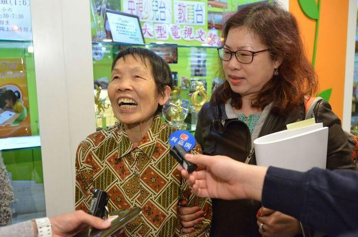 82歲鄧姓婆婆。