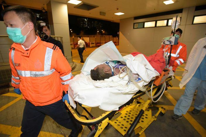 傷者被送往醫院救治。