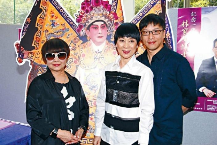 陳寶珠(中)下月孖梅雪詩(阿嗲)演出粵劇《蝶影紅梨記》,天經梗會捧場。