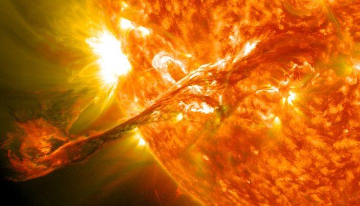太陽日冕想象圖(網上圖片)