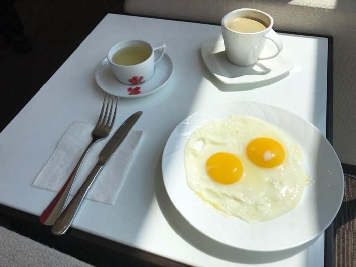 煎蛋早餐貼心