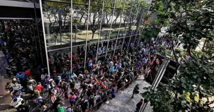 華為Mate 20 X手機早前登陸台灣市場,上千人排隊搶購。