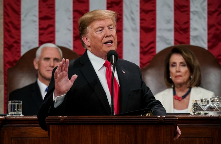 圖: 特朗普發表國情咨文仍堅持要在美墨邊境築牆。AP圖片