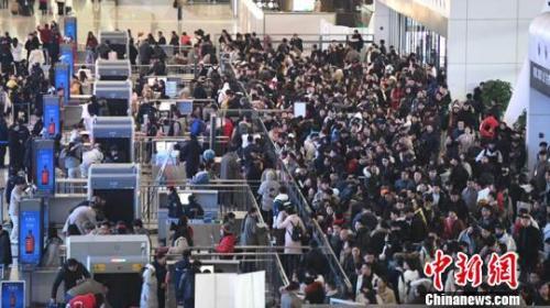 圖:杭州東站回鄉人流。