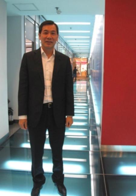 馮德雄現時在大學教書。(中大網站圖片)