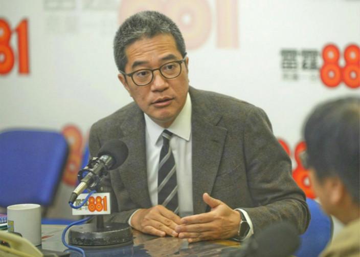 发展局局长黄伟纶不知情。