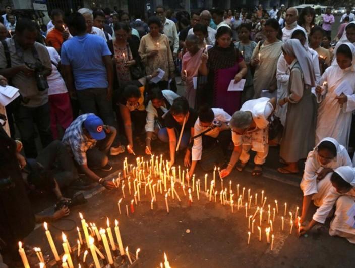 斯里兰卡恐袭造成至少321人死亡。AP图片。