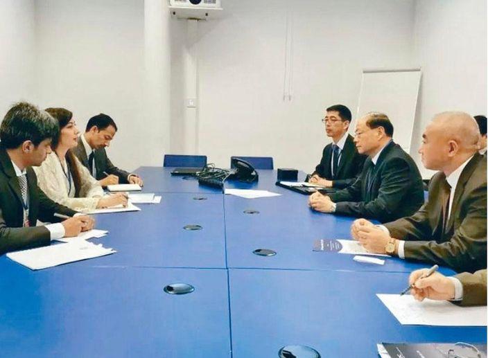 曾偉雄(右2)上月底出席聯合國預防犯罪雙邊會議。