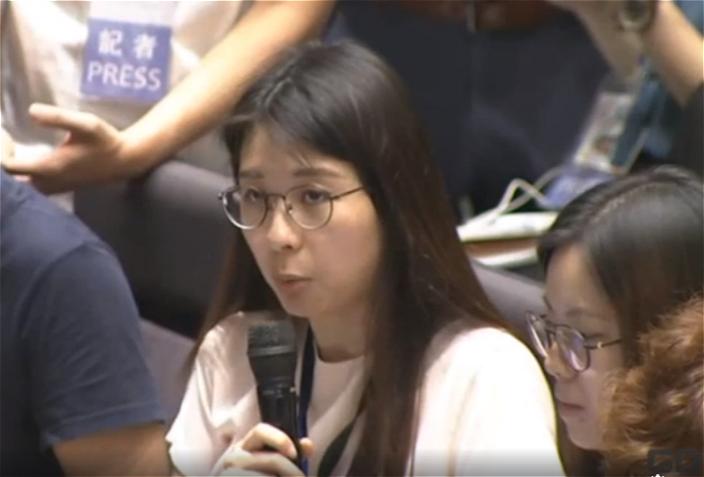 香港01記者提問。