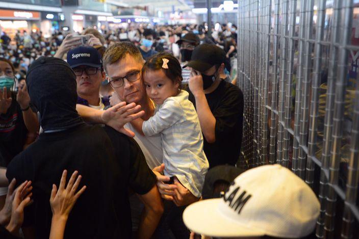 機場一遍混亂