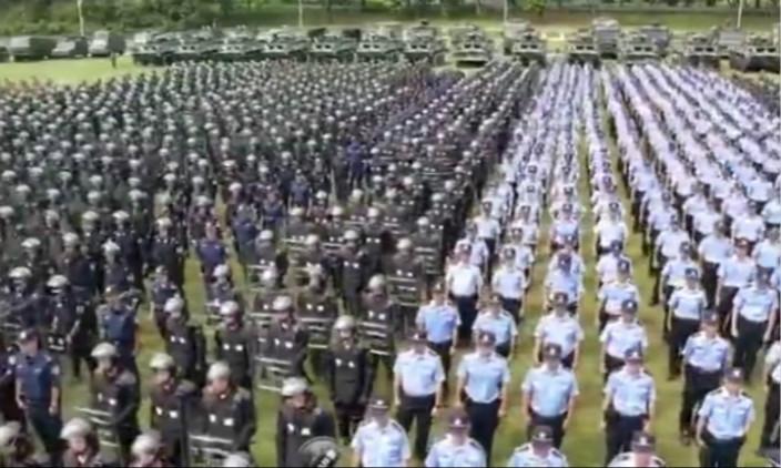 圖:武警在深圳演練。
