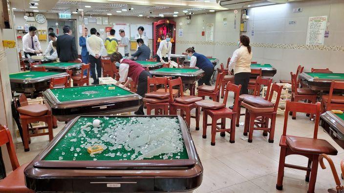 图: 麻雀馆被大肆破坏。