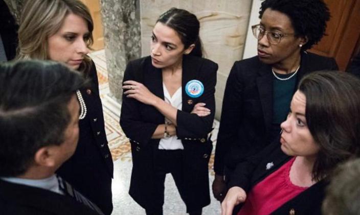 圖: 希爾(左上角)和科爾特斯(中)2018年當選,被視為民主黨明日之星。網上圖片