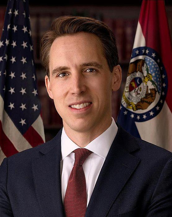美國參議員霍利。