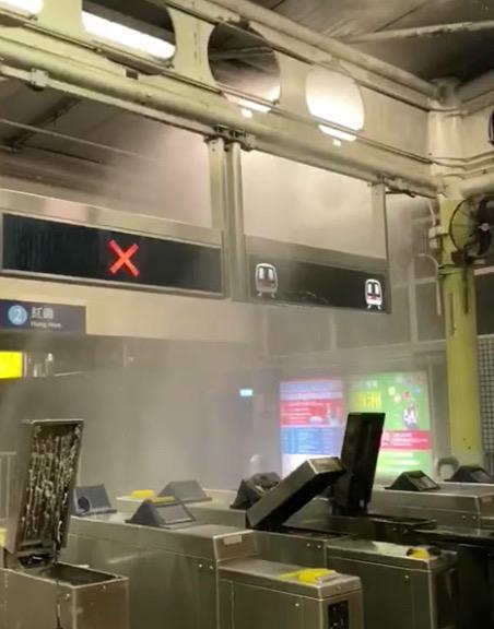 入閘機經常被打爛。