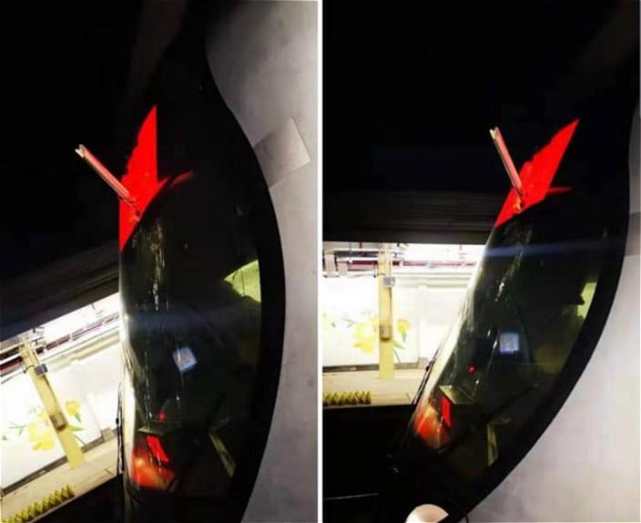 列車被擲出鐵通插穿擋風玻璃。
