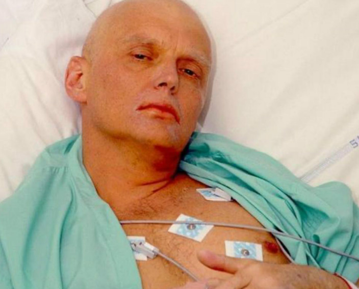 俄罗斯叛逃特工利特维年科2006年在伦敦一家日本餐厅进食时被人下毒,最后证实他吃下放射性元素钋-210。他最后因钋中毒死亡。