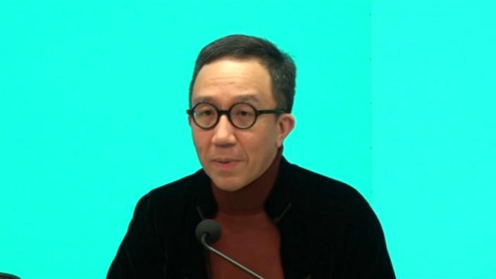 港大公共衞生學院講座教授梁卓偉。港台截圖