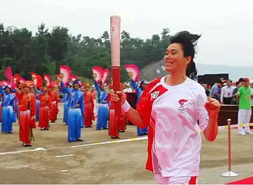 2008年北京奧運會火炬在湖北省內傳遞的時候,裴佳雲在宜昌做火炬手。