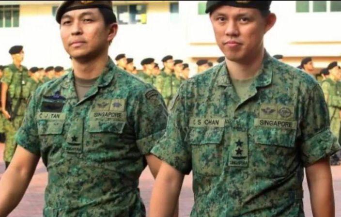 陳振聲(右)1987年至2010年在新加坡陸軍服役,官至少將,2011年開始從政。