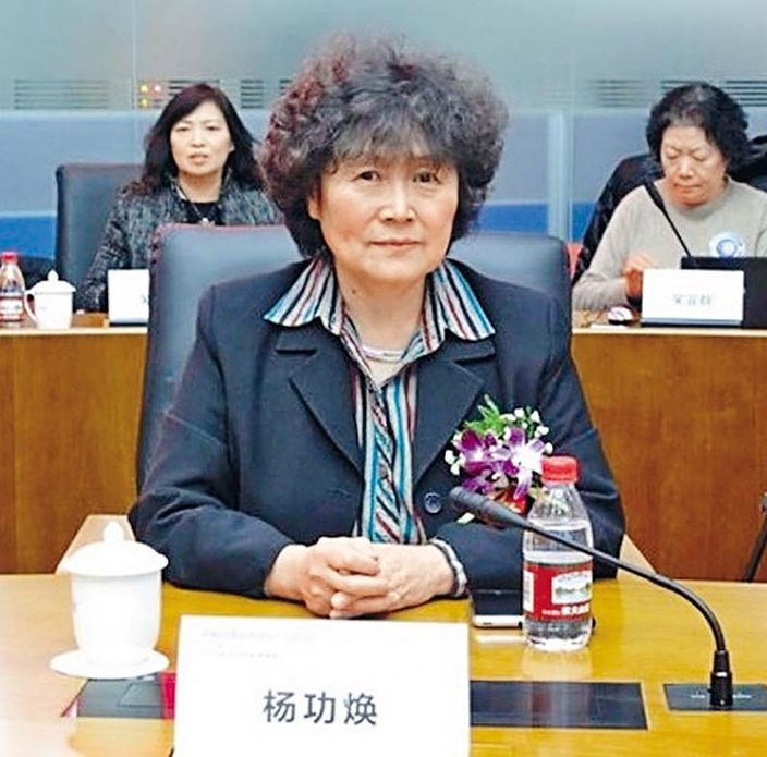 中國疾控中心原副主任楊功煥認為,新冠病毒將很大可能與人類長期共生,一如流感。資料圖片