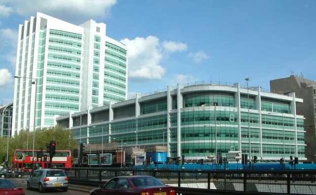 伦敦大学医院。