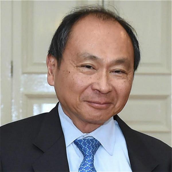 著名美国学者福山(Francis Fukuyama)。