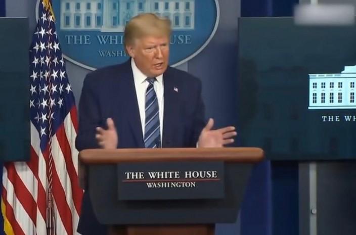 美國總統特朗普繼續宣揚自己的防疫「功勞」,而把責任推向世衛組織。