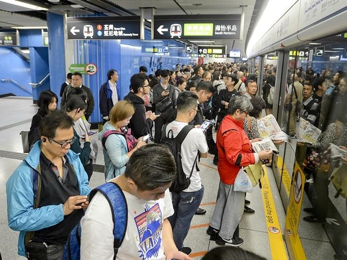 新鐵路項目既利民出行,也對鐵路工程人員提供出路。資料圖片