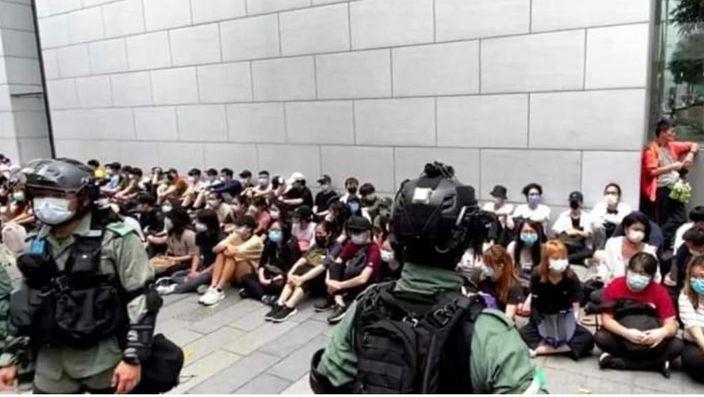 在湾仔、铜锣湾拘捕大批示威者,有震慑效果。