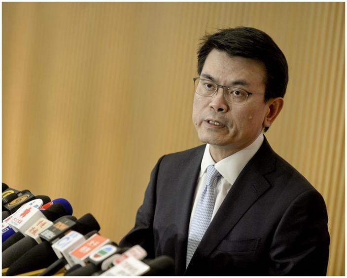 商務及經濟發展局局長邱騰華。
