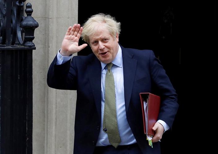 """英國首相約翰遜說,不希望重要的基礎受制於""""潛在敵對國家的供應商""""。(AP圖片)"""