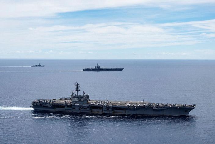 美國核子動力航母近日高調現身台灣附近,向中國釋放信號。(AP圖片)