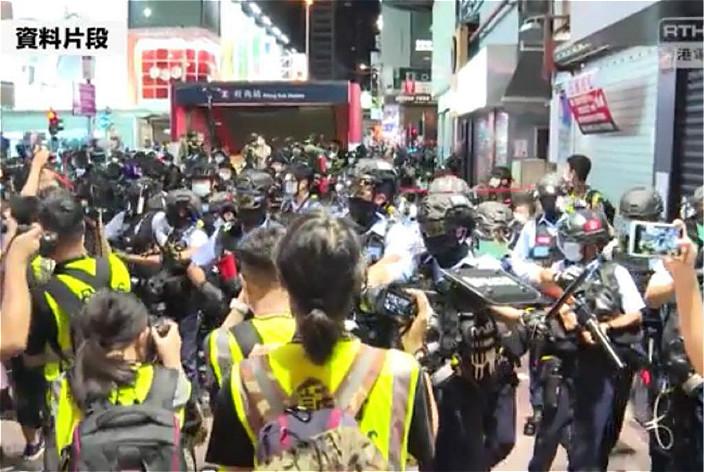 在示威現場採訪的記者愈來愈多。港台圖片