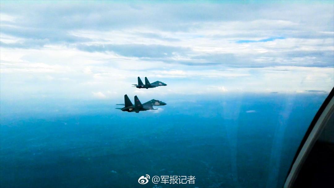 軍報記者發布的東部戰區殲-16戰機。