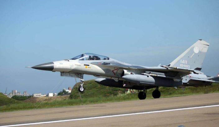 台中清泉崗基地的「經國號」戰機。