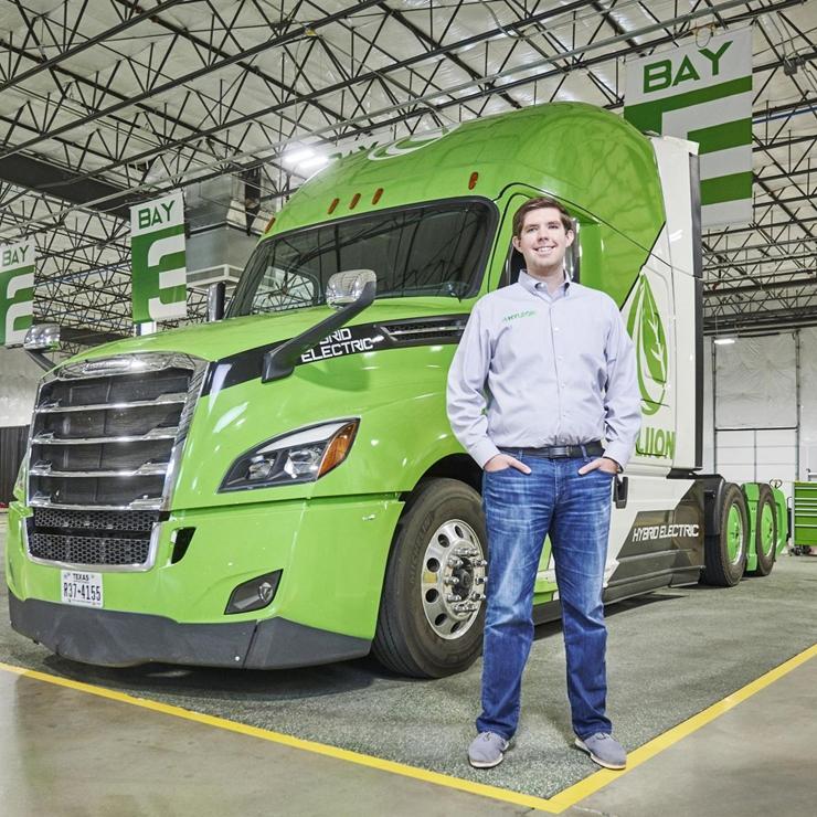 Hyliion将直接在8级重型卡车市场上与竞争对手Nikola 和Tesla 竞争。Hyliion正在使用现有的可再生天然气为卡车提供动力, forbes.com