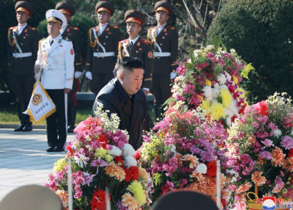 金正恩參謁中國人民志願軍烈士陵園。朝中社圖片