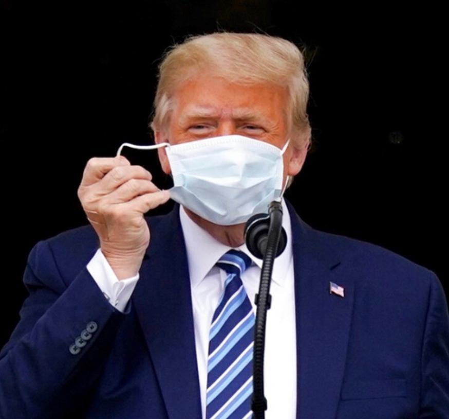 全民戴口罩可以令美国死少12万人,但特朗普最喜欢脱口罩。