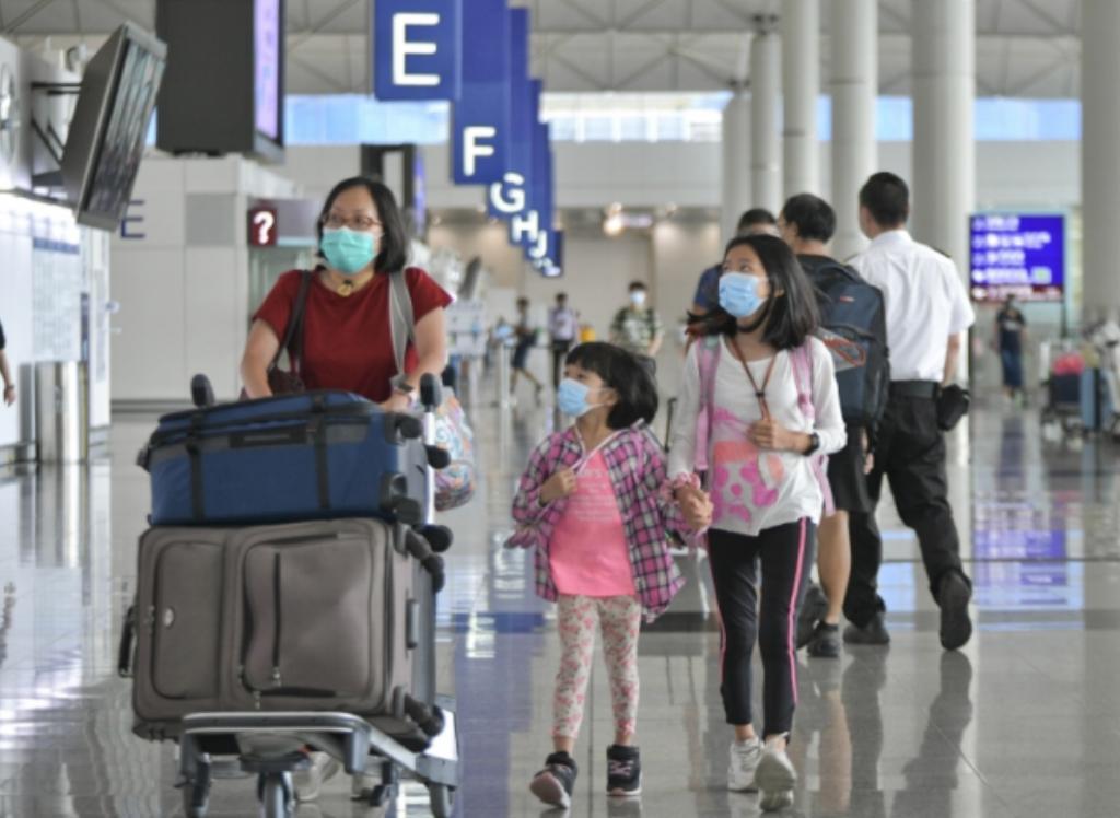很難期望短期內有大量旅客來港。