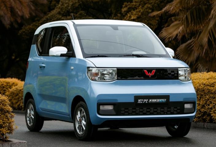 五菱宏光生产小型电动车MINI EV,续航里程只有120至170km。网上截图