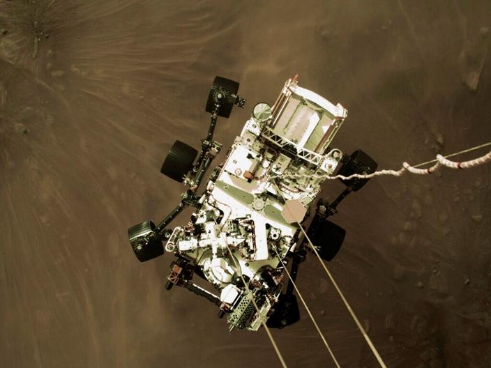 毅力號成功登陸火星一刻。(AP圖片)