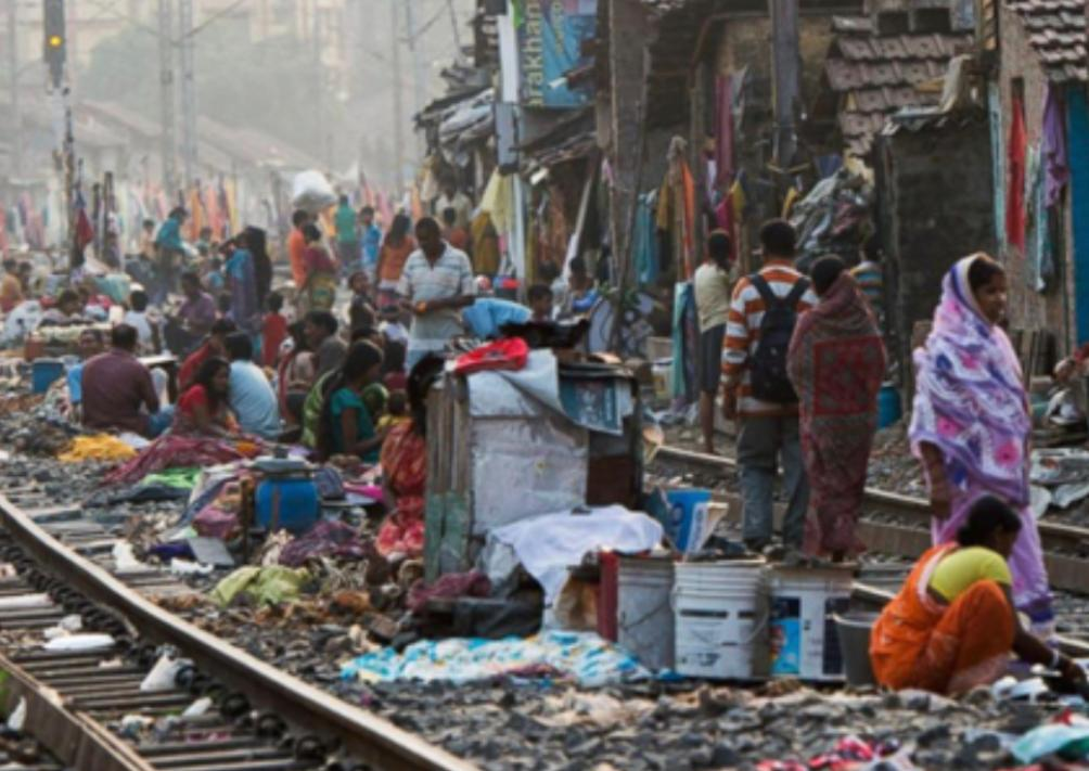 印度的貧民在大城市仍隨處可見。