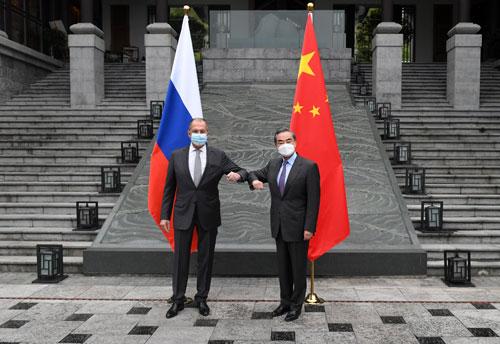 中俄外长互动拍照安排
