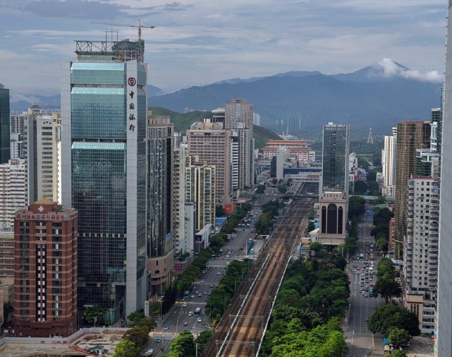 「超級殯葬城」距離深圳羅湖商業區只有數百米,引發網民不滿。